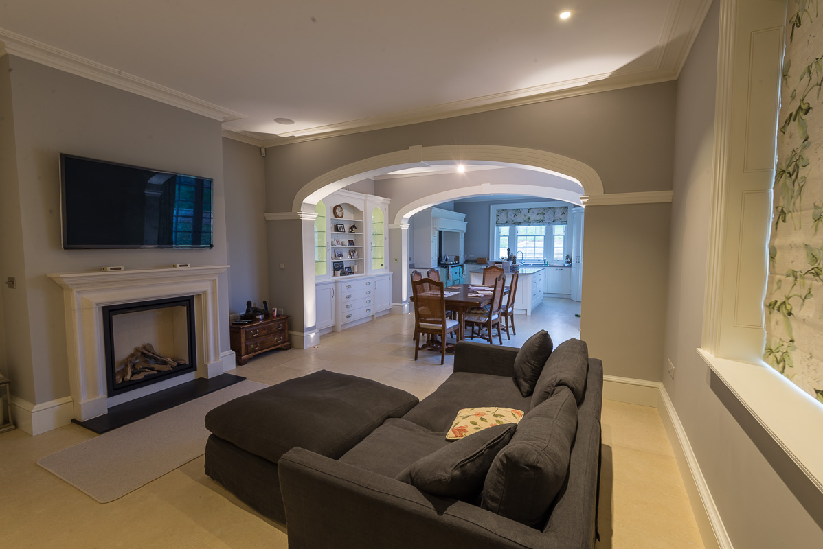 the-snug-dining-room-and-kitchen
